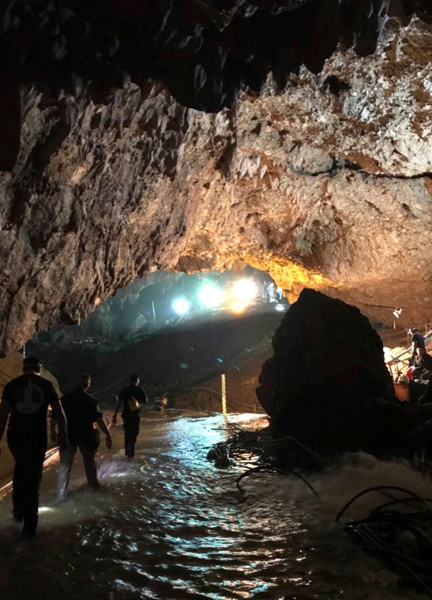 Thailand-Cave_Search_99661-159532.jpg43693918