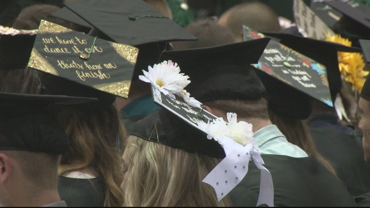 Bethany_College_graduates_its_178th_clas_0_20180519224213