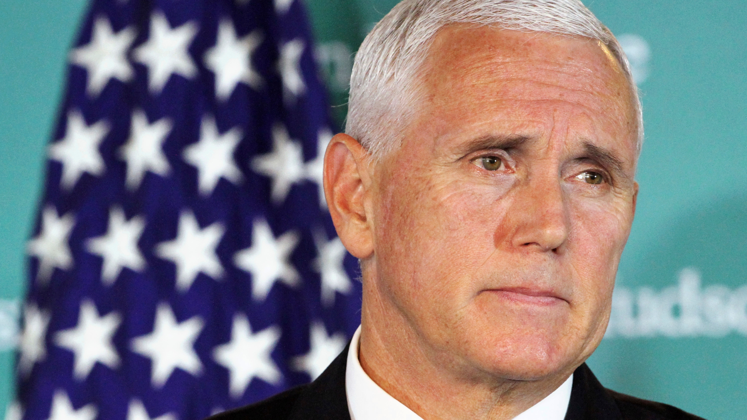 US_China_Pence_53912-159532.jpg41633743