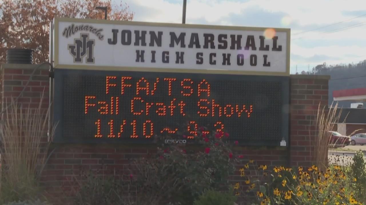 30th_annual_craft_show_at_John_Marshall__0_20181111022713