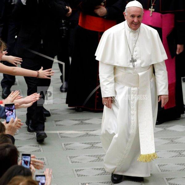 Vatican Pope_1558809183796