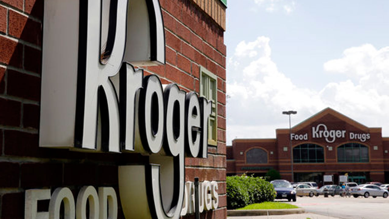 Kroger Rolling Out Fees For Cash Back At Checkout