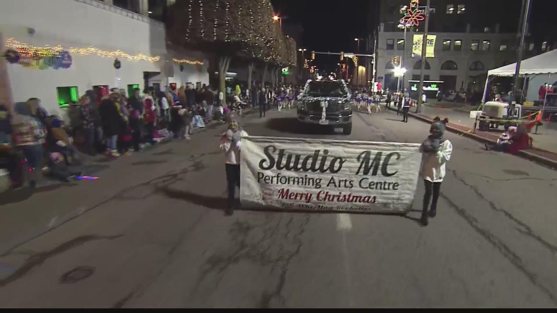 Wheeling Christmas Parade 2021 Fantasy In Lights Parade Takes Over Downtown Wheeling Wtrf