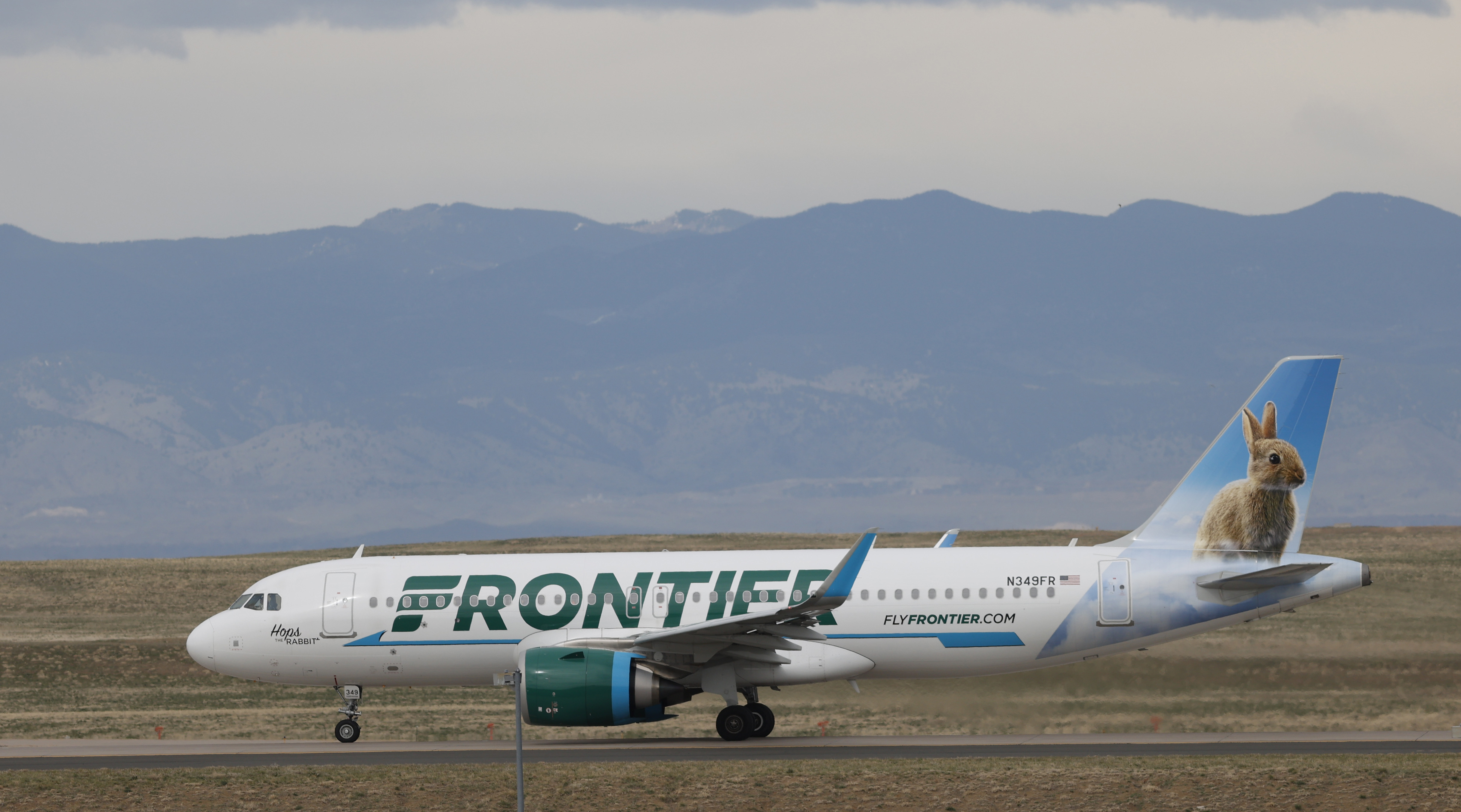 Frontier Airlines Will Drop Open Seat Fee That Drew Attacks Wtrf