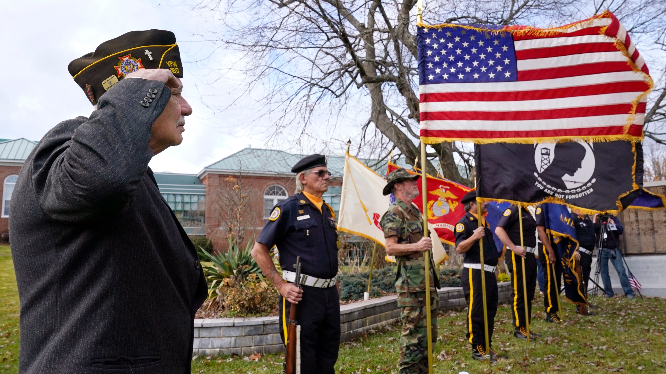 Veterans Day in 2020: quiet parades, somber virtual events – WTRF